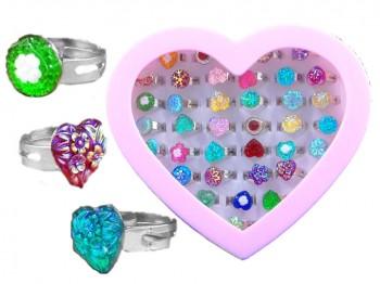 Ringe in Herzdose