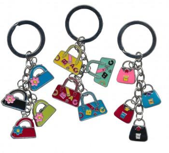 Schlüsselanhänger mit bunten Täschchen